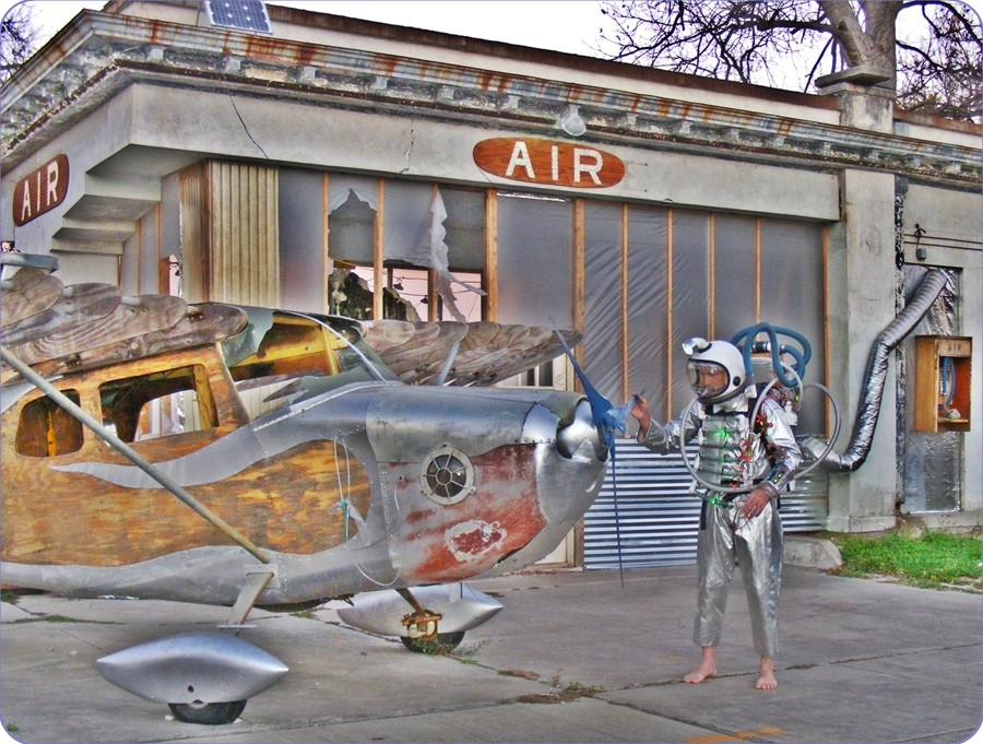 AirStation 1, AirPlane 1, EarthMan 2, Dion Laurent